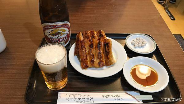 「焼餃子 小皿 + 瓶ビール」@スヰートポーヅの写真