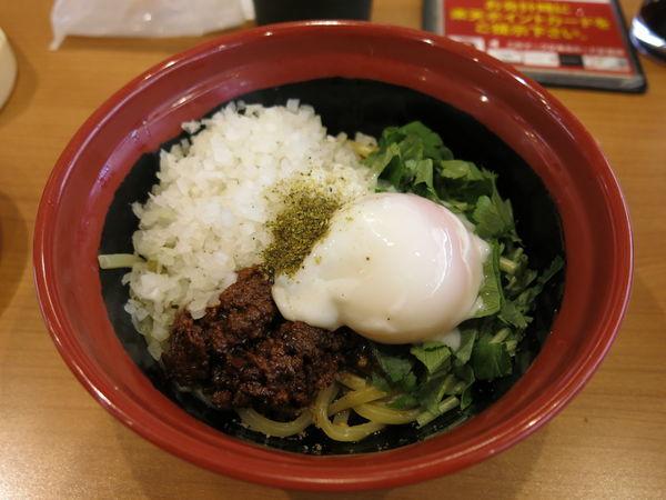 「胡麻香る汁なし担々麺:370円+消費税」@無添 くら寿司 足立江北店の写真