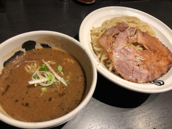 「濃厚黒つけ麺(中)」@麺屋武蔵 武骨相傳の写真