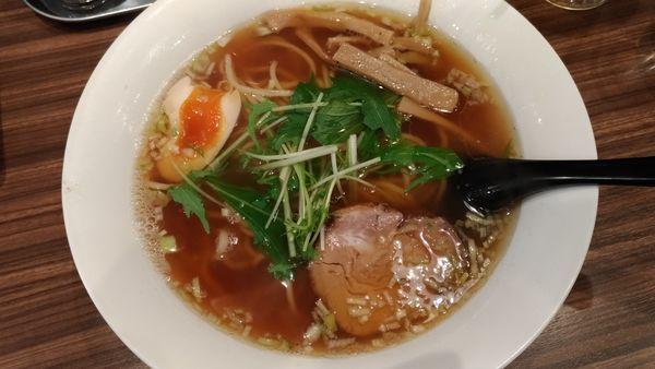「醤油ラーメン」@麺処・餃子処 TESHIの写真