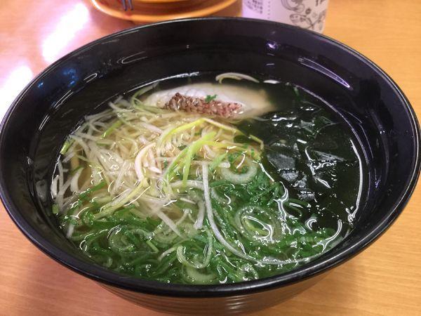 「鯛だし塩ラーメン356円」@スシロー 環七青井店の写真