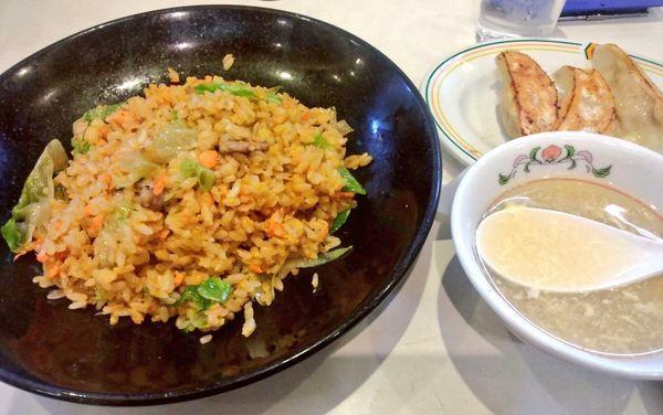 「極王炒飯+餃子3個」@餃子の王将 石川町店の写真