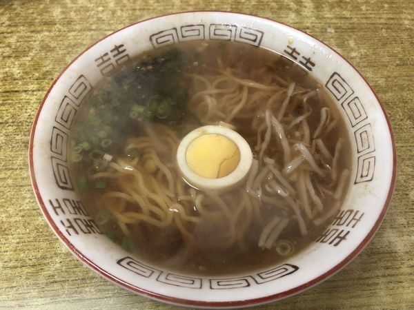 「(さっぽろ)ラーメン しょうゆ ¥380」@びっくり麺亭の写真