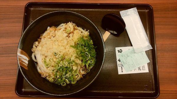「ぶっかけうどん 1.5玉 冷 350円」@讃岐製麺 麦まる 八重洲地下街南口店の写真