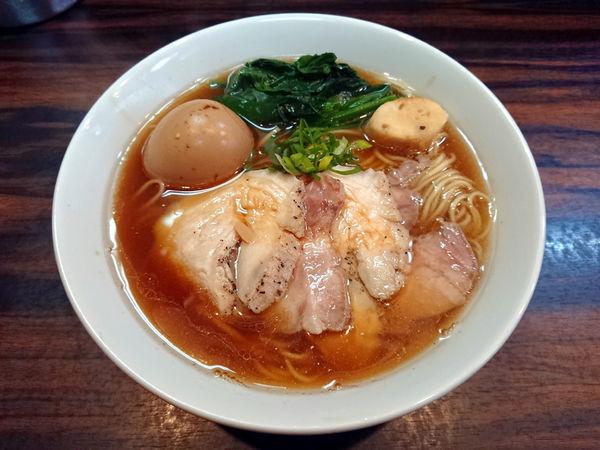 「ジンジャー(生姜醤油中華そば)+肉増し+茹で玉子」@中華そば 梟の写真