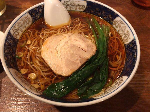 「酸紅麺(さんほんめん) ¥900」@支那麺 はしご 銀座八丁目店の写真