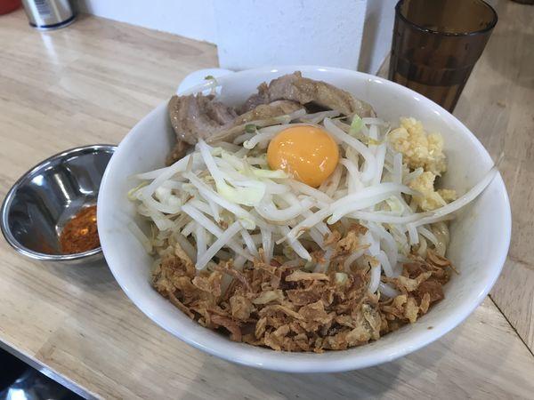「ラーメン→油そば(麺少なめ、揚げネギ)+クーポン辛み」@ラーメン 他力也の写真