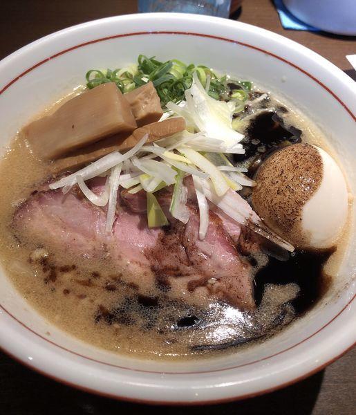 「味噌らぁ麺850円+釜焼きチャーシュー」@麺や 虎徹の写真