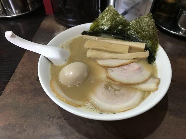 「ラーメン【濃厚和風豚骨】」@ラーメン屋 ばーばら 幸田店の写真