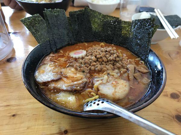 「辛みそニンニクバター納豆スペシャル」@じゅんちゃんラーメンの写真