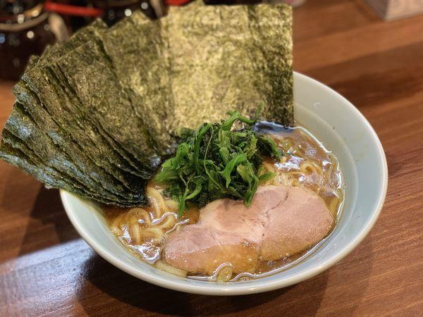 「ラーメン+海苔増し」@横浜家系 せいせき家の写真