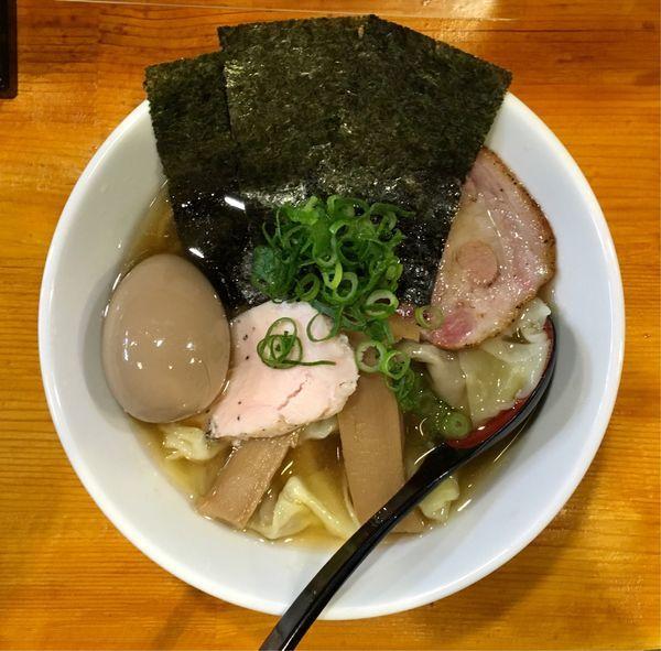 「葉月ワンタン麺+味玉」@らぁめん 葉月の写真