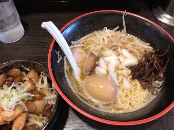 「味玉豚骨らーめん + チャーシュー丼」@三鷹食堂いなりの写真