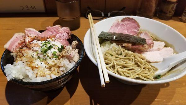 「チャーシュー濃厚中華蕎麦1050円+肉飯300円」@亀戸煮干中華蕎麦 つきひの写真