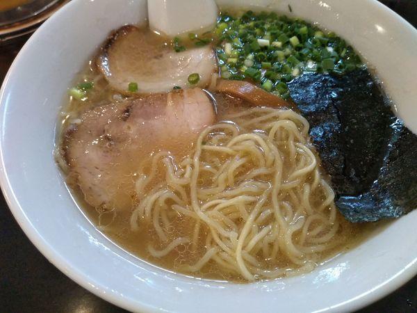 「特製らーめん 650円 (麺硬め)」@らーめん 茂木の写真