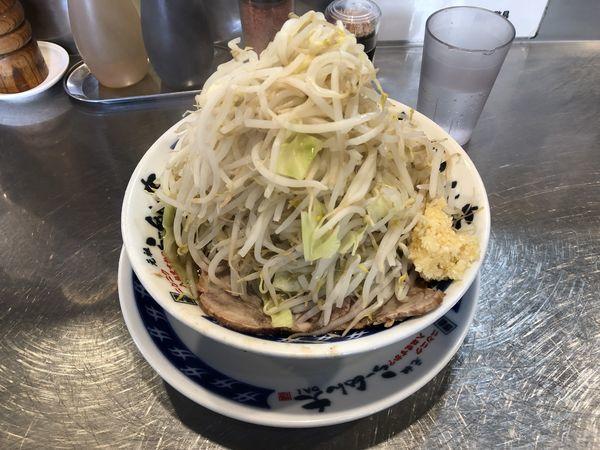 「塩らーめん 野菜マシ・ニンニク」@ラーメン大 下高井戸店の写真