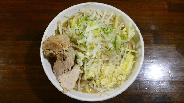 「らーめん 豚一切れ¥890/にんにくアブラねぎ¥0」@ちばから 渋谷道玄坂店の写真