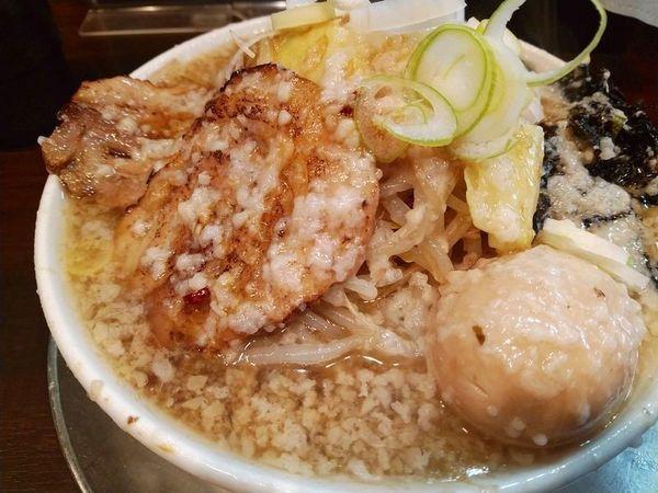 「潤次郎らーめん(大油、ニンニク少し)+煮玉子」@らーめん潤 亀戸店の写真