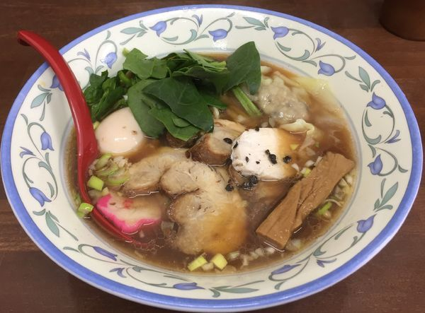 「特製しょうゆらぁめん(平打ち麺)」@4代目松屋食堂の写真