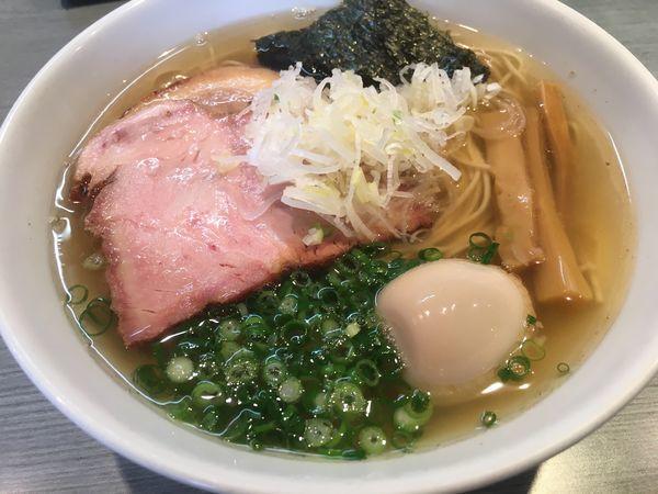 「煮干(塩)+肉1枚+味玉」@喜乃壺の写真