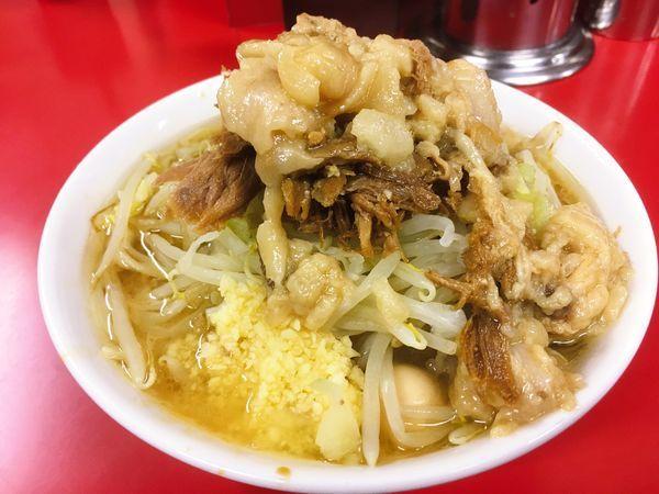 「麺半分豚2枚うずら ニンニクアブラ」@ラーメン二郎 茨城守谷店の写真