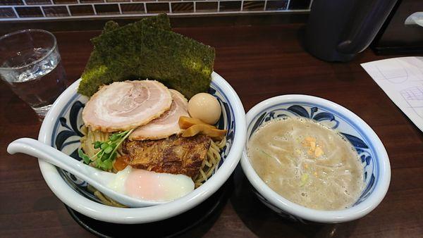 「つけ麺(トロコリ肉のせ)+大盛+吉田盛り 1300円」@らーめんつけ麺 吉田商店 本店の写真
