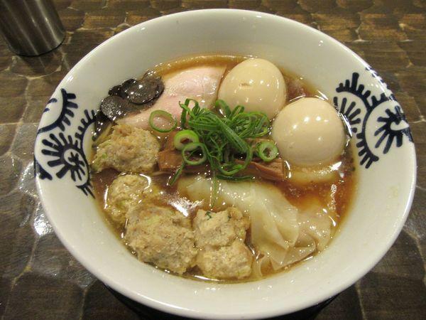 「特級醤油そば(1000円)+特級トッピング250円」@特級鶏蕎麦 龍介の写真