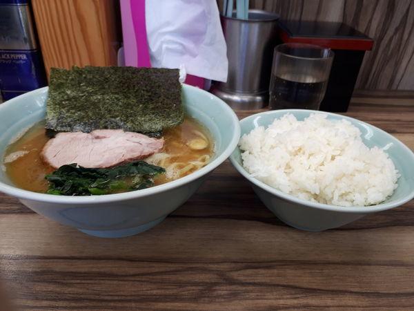 「ラーメン(味濃め、油多め)」@横浜家系ラーメン 武蔵家 東小金井店の写真