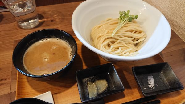 「限定 太麺 銀ダラ鶏白湯つけ麺」@ラーメン 健やかの写真