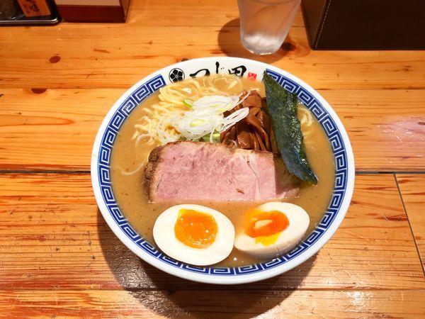 「濃厚味玉ラーメン」@つじ田 神田御茶ノ水店の写真