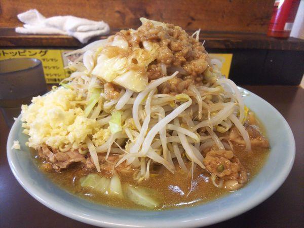 「中ラーメン、野菜チョイマシ、アブラニンニクマシ」@立川マシマシ秘密工場の写真