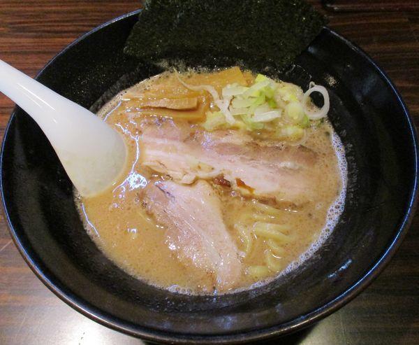 「ラーメン(並・太麺)700円」@ラーメン長山の写真