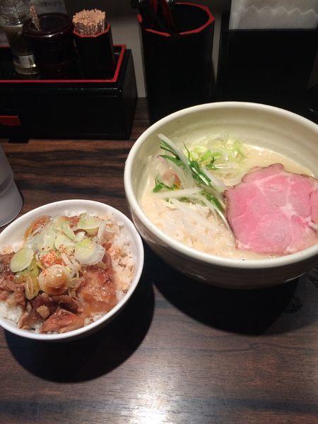 「鶏白湯800円なんこつご飯200円」@(麺)並木商事の写真