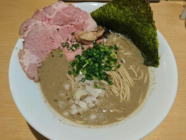「濃厚牡蠣煮干中華そば」@麺屋 まほろ芭の写真