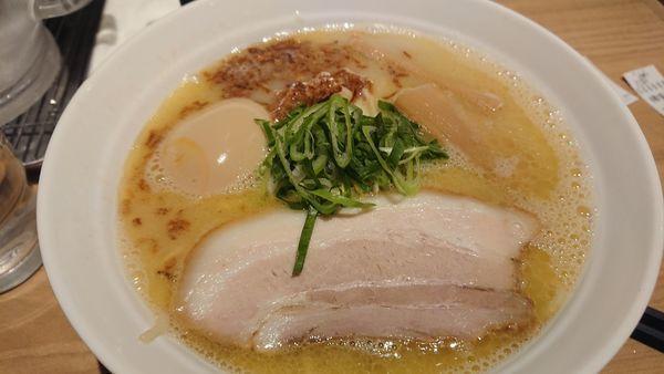 「鶏白湯(大盛、味玉)」@拉麺 弁tenの写真