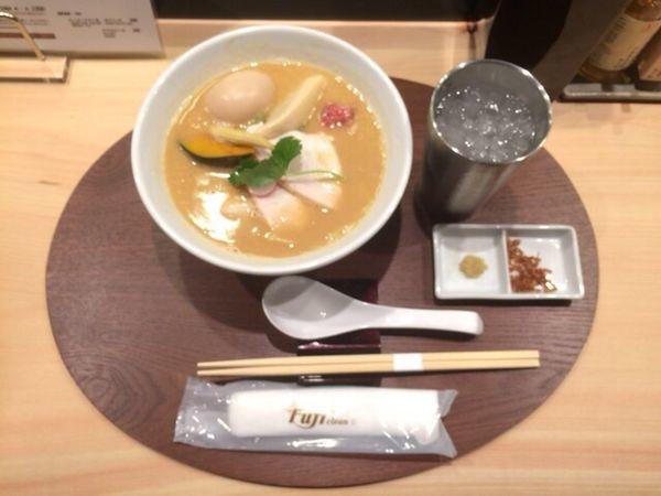 「鶏白湯醤油SOBA」@銀座 篝 本店の写真
