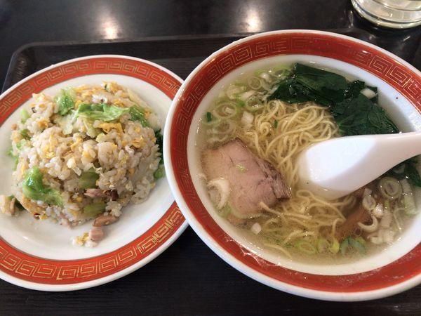 「レタス炒飯+半塩ラーメン 850円」@長城飯店の写真