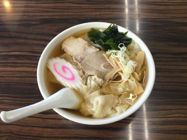 「ワンタンメン・ひもかわ麺(¥650)」@手打ちラーメン 足利麺の写真