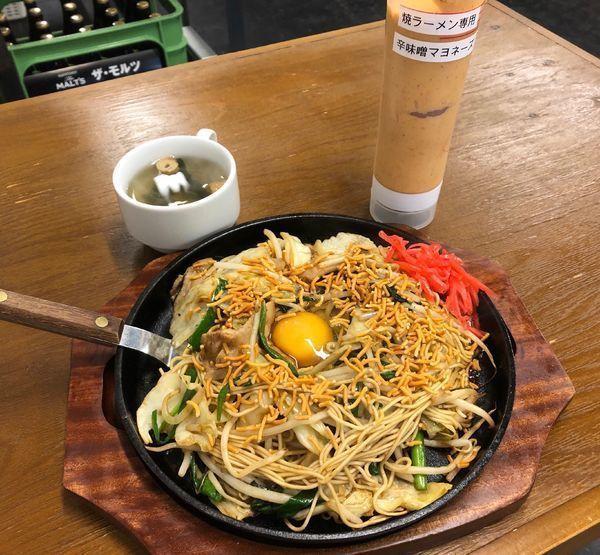 「焼きラーメン(並)・スープ付き ¥680」@博多 からくさや 東上野店の写真