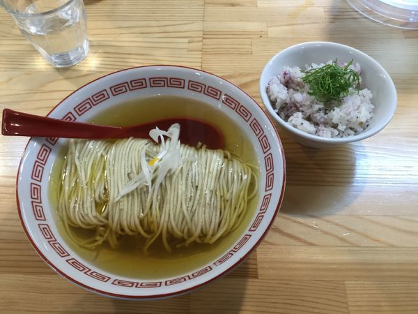「(梅)かけそば+ゆかり茶飯(¥600+120)」@自家製麺 くろ松の写真