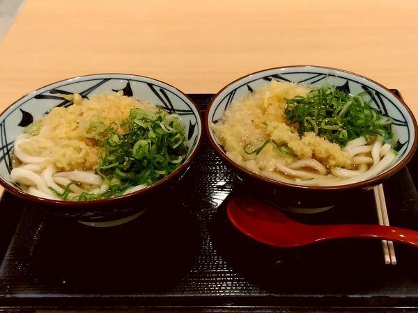 「かけうどん(並盛・2杯)290円」@丸亀製麺 イーサイト高崎店の写真