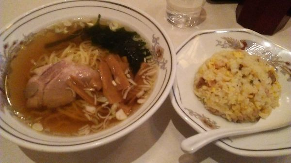 「ランチ 半チャン・ラーメン 800円」@中国料理 大三元の写真