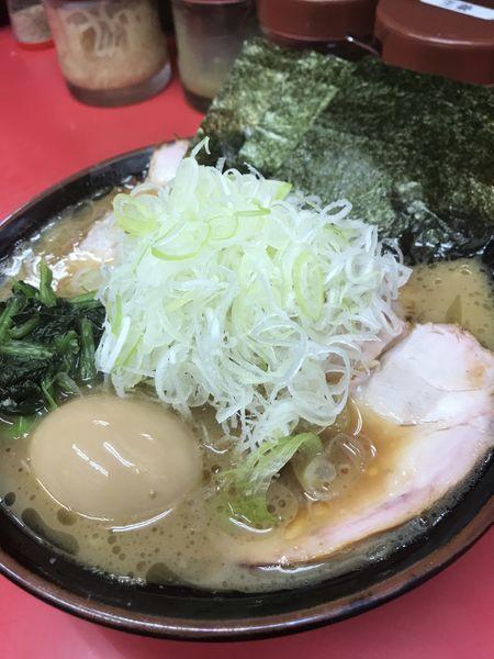 「チャーシュー麺トッピング味玉、薬味ねぎ」@田上家の写真