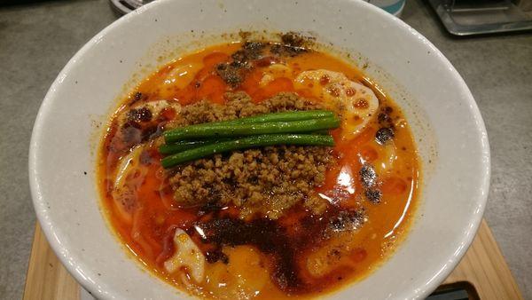 「担々麺(880円)」@ソバダイニング クワトロの写真