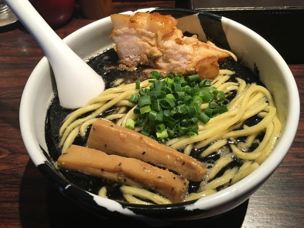 「ら〜麺(黒)」@麺屋武蔵 武骨の写真