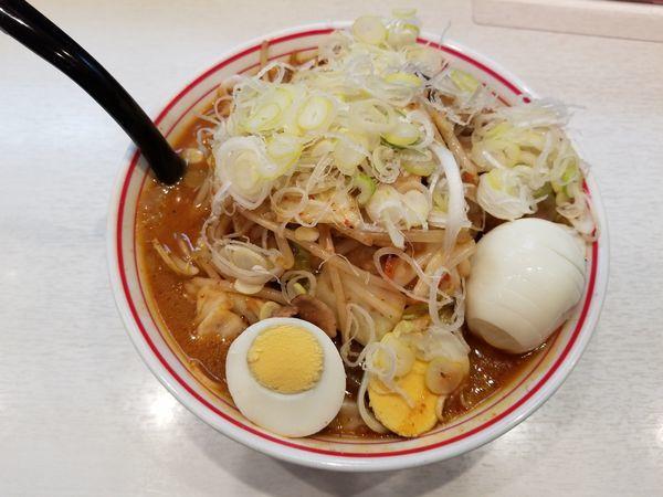 「五目味噌タンメン+野菜大盛+ネギ」@蒙古タンメン 中本 高田馬場店の写真