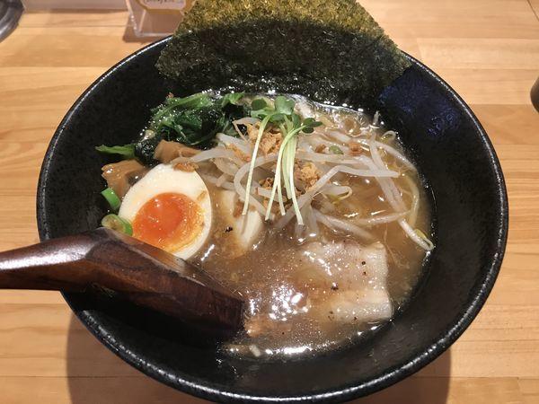 「ラーメン(醤油)+クーポン煮たまご」@麺創 蛍の写真