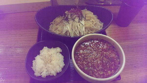「辛味噌納豆つけ麺、大盛」@辛っとろ麻婆麺 あかずきんの写真