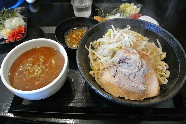 「つけ麺 中盛 800円 ニンニク脂 熱盛」@つけ麺 どでんの写真