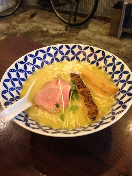 「濃厚鶏白湯らーめん 790円」@麺場ニ寅 川越店の写真